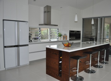Kitchens - Creative Design Cabinet Making Custom Built Kitchen, Bathroom and Home Renovations | Kempsey & Port Macquarie - Kitchens, bathrooms, timber furniture and cabinetry